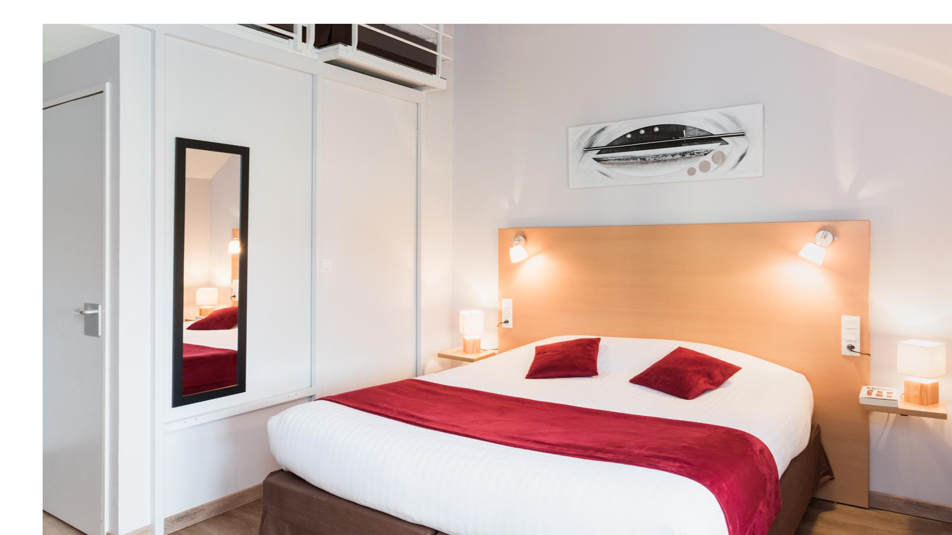 Une chambre Familiale du Carré Py' Hôtel***