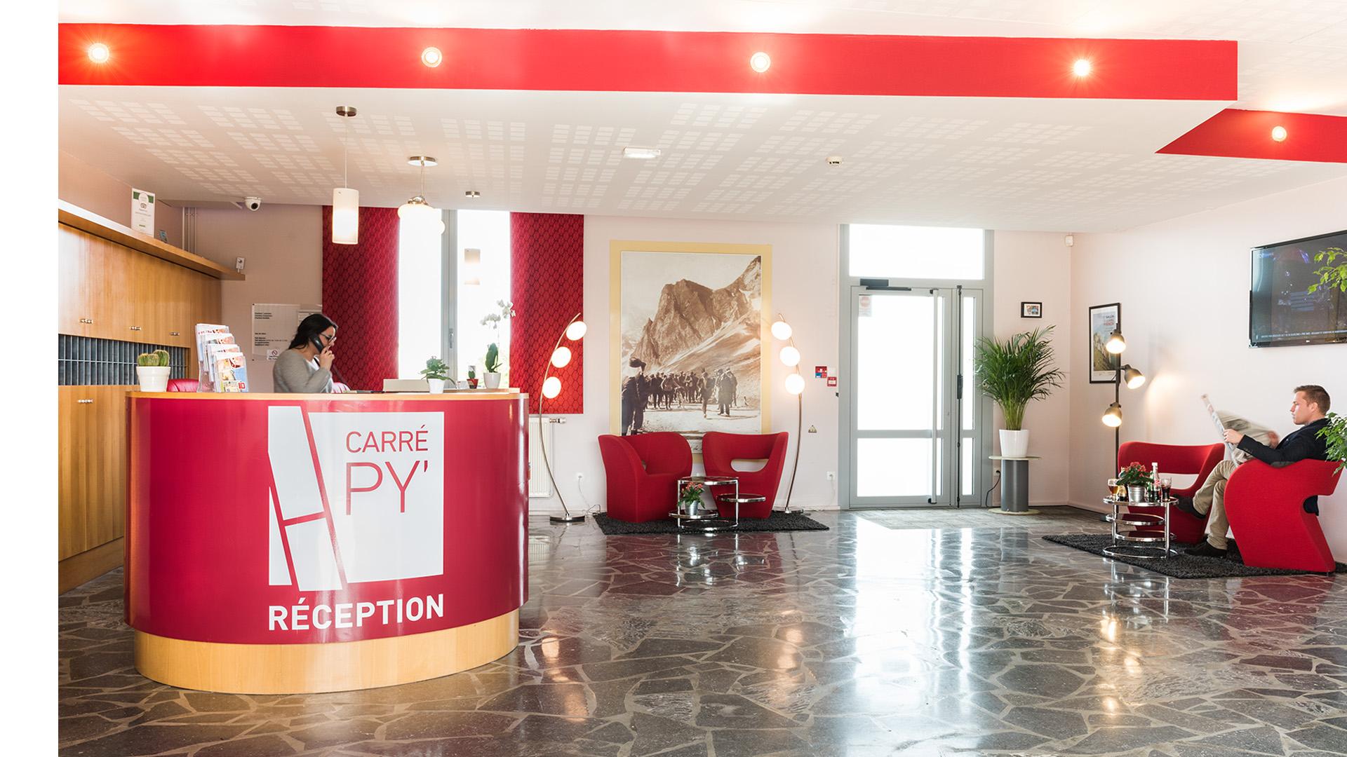 Le Hall d'accueil - La Réception du Carré Py' Hôtel***