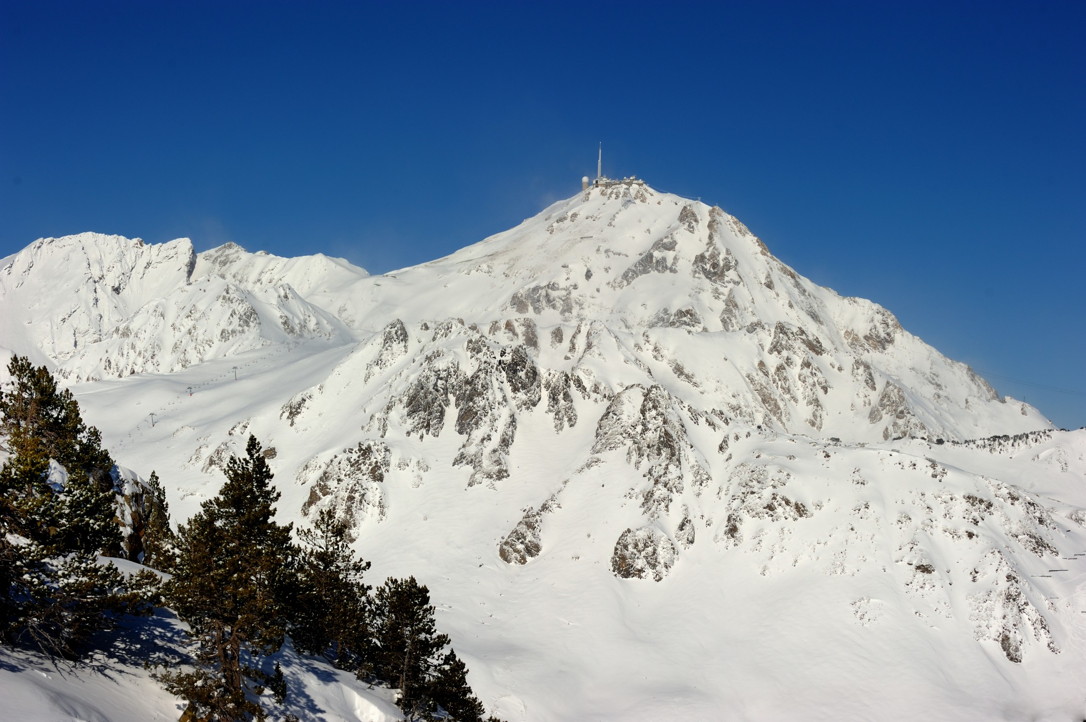 The Pic du Midi under the snow